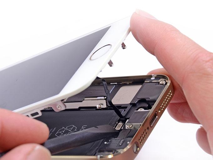 Почему не заряжается iPhone