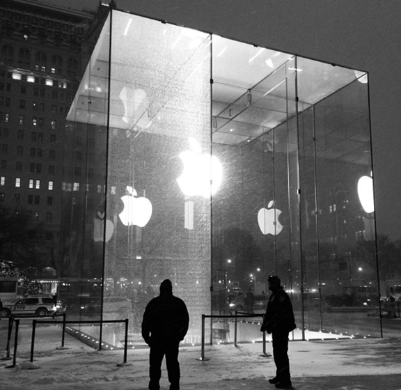 Apple-Store-glass-2