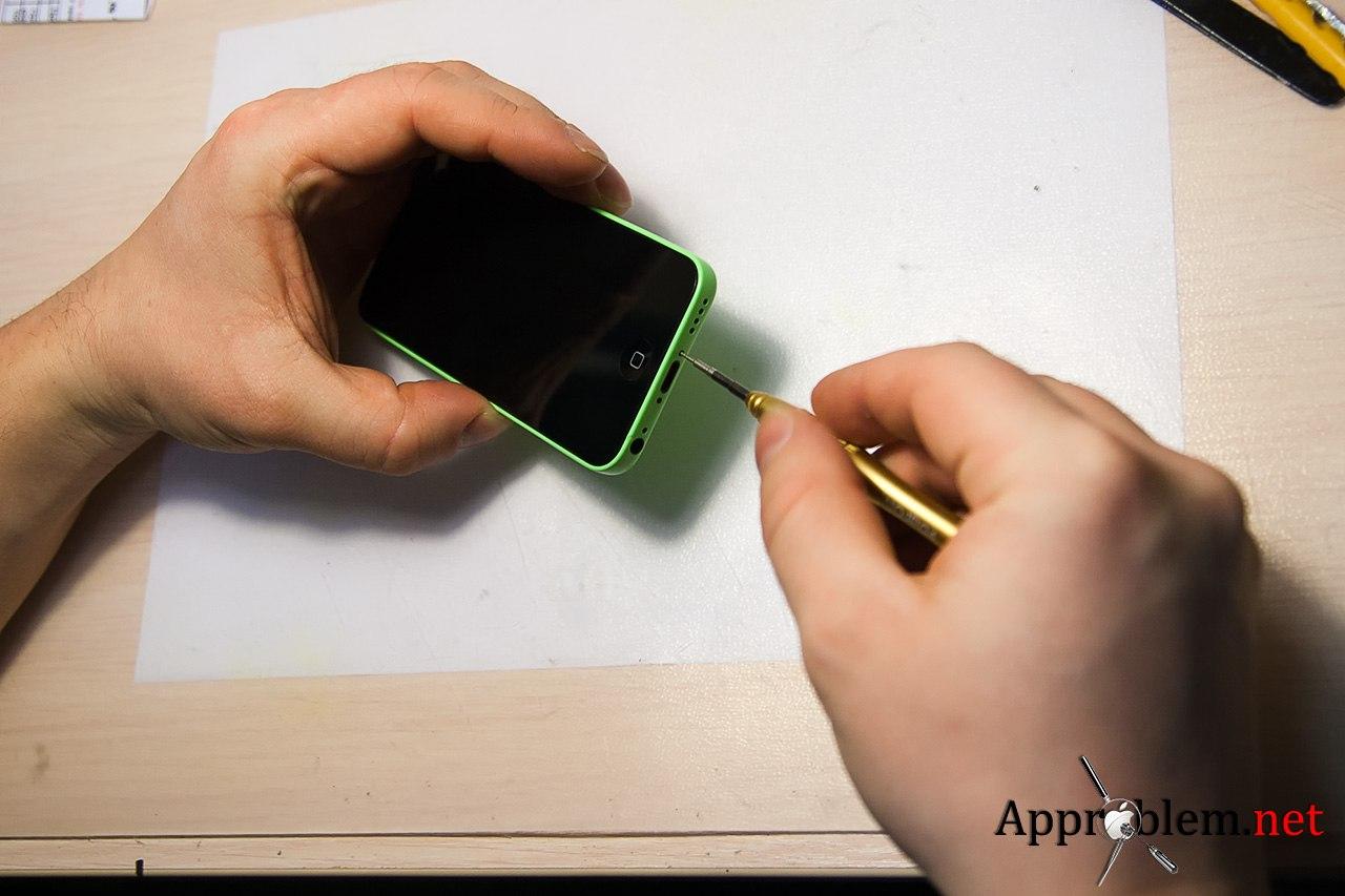Как заменить дисплей iPhone 5c