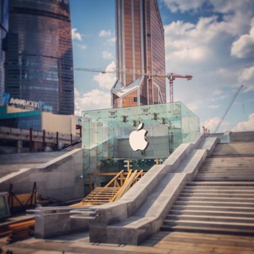 Первый российский Apple Store в «Москва-Сити» может быть фейком