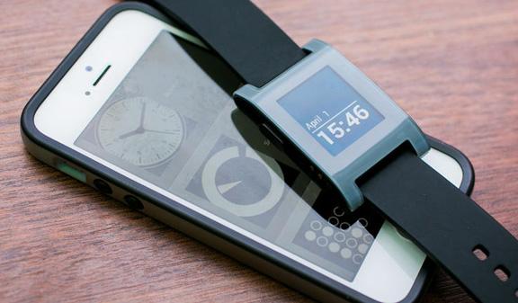 Pebble снизила цены на часы